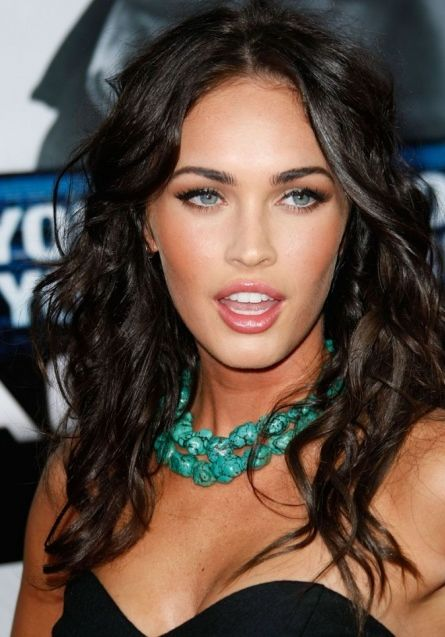 "Megan Fox has filmed a ""really hot"" lesbian love scene for her new movie."