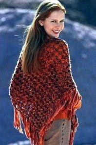 Для вязания шали нам потребуется: 350г меланжевой пряжи оранжевого цвета (100% полиакрила, 50 м/50г), крючок 12.