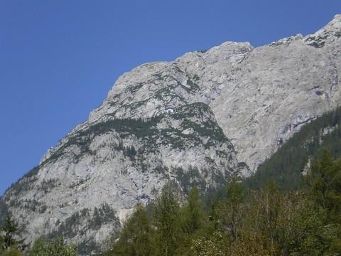 kuća na stijeni