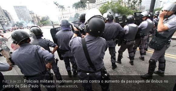 estudantes,manifestantes e Vereadores de Sp agredidos a borrachadas pela policia eTucana em São paulo em frente a prefeitura