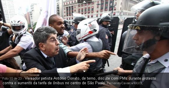 Estudantes e manifestantes sendo agredidos pela policia Tucana