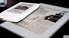 Plastic logic e-reader vs Kindle