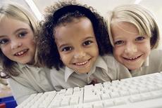 djeca na računalu