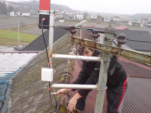 gogy na krovu mlina montira antenu za backbone link