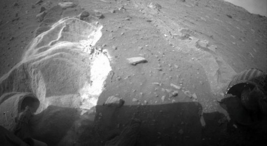 Snimak ukopanih zadnjih kotača Spirita na Marsu